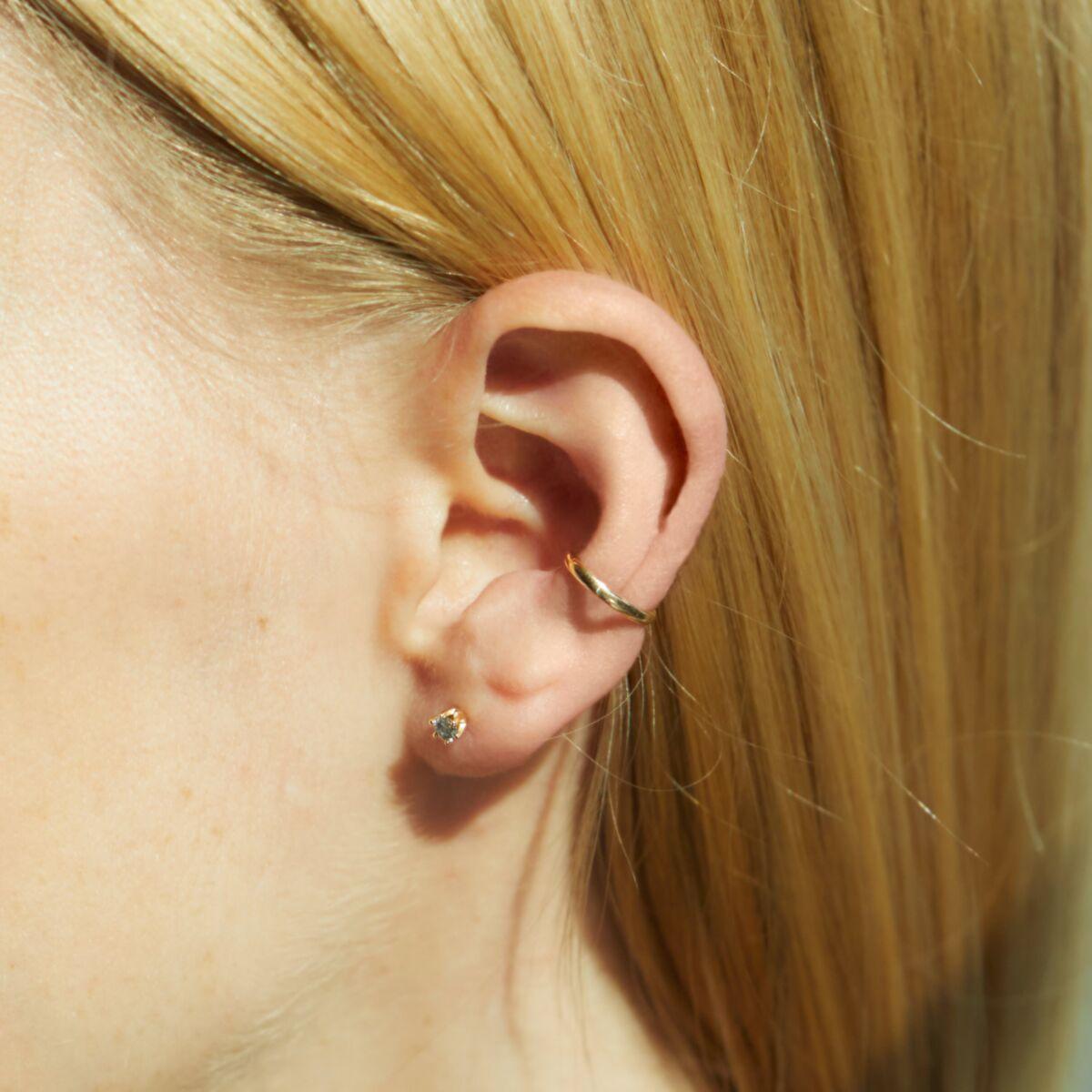 Gray Diamond Crown Earring (single) image