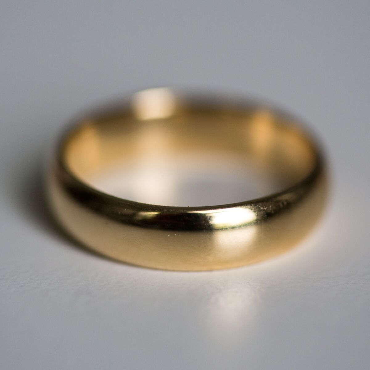 Catbird Classic Wedding Bands, Half Round Band, 6mm image