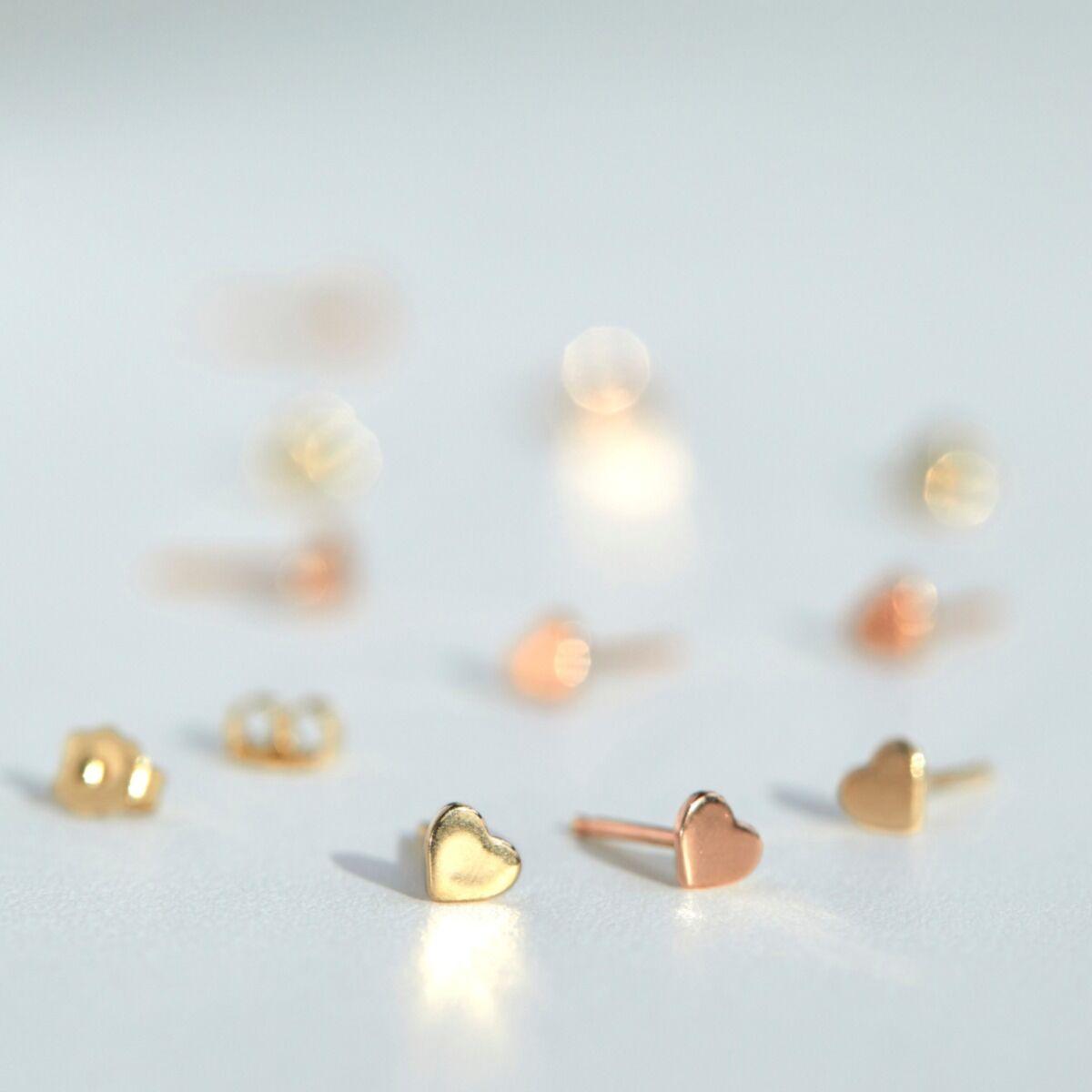 Classic Heart Stud, yellow gold (single) image