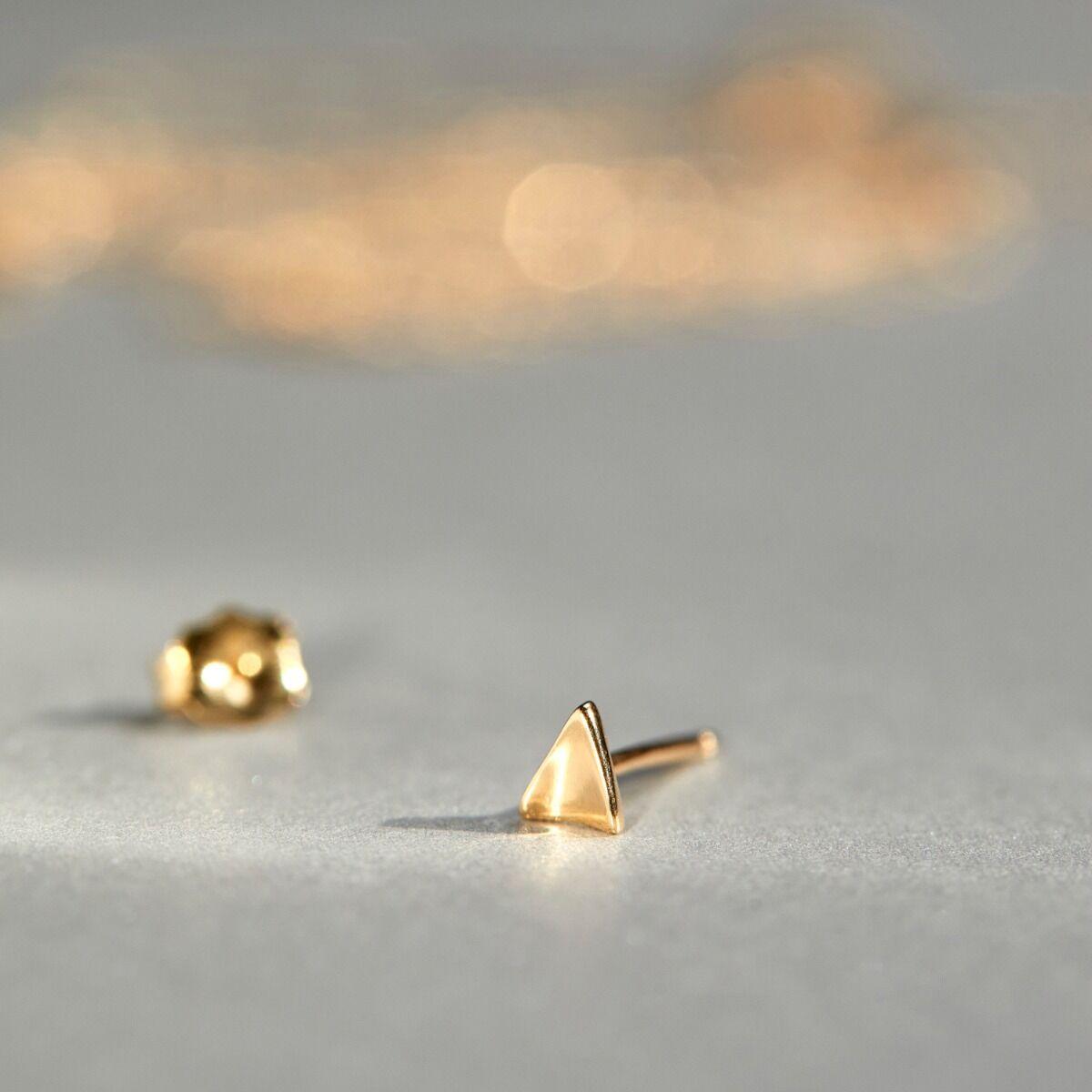 Kitten Ear Stud, gold (single) image