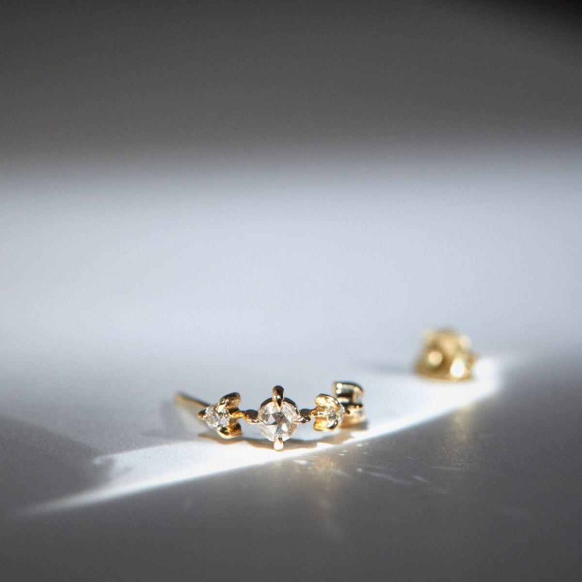 Snow Queen Hoop, yellow gold (single) image