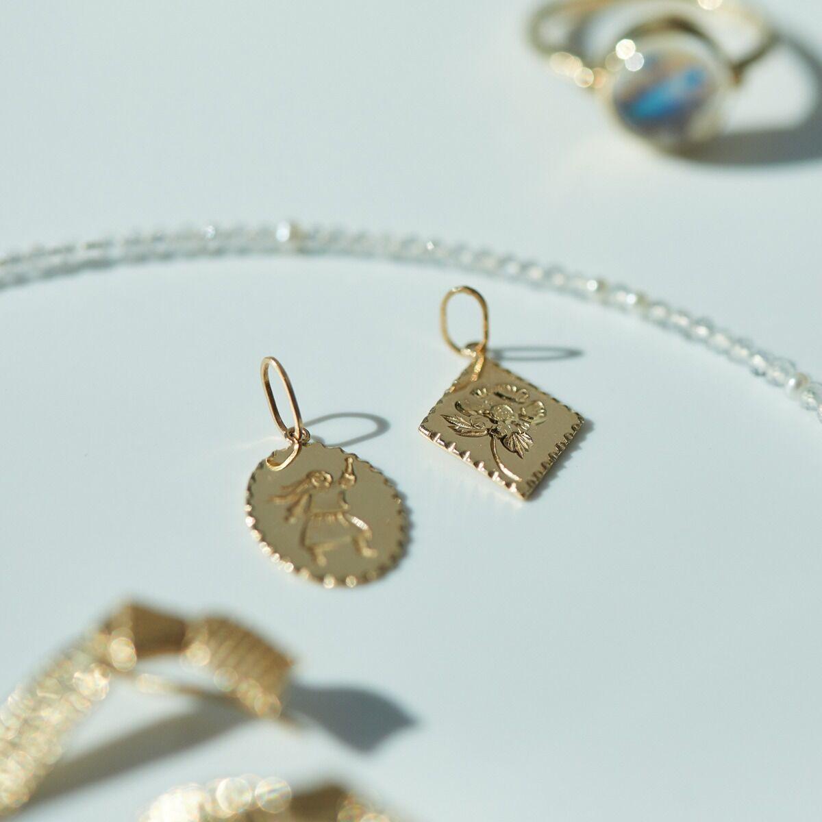 Anemone Charm image