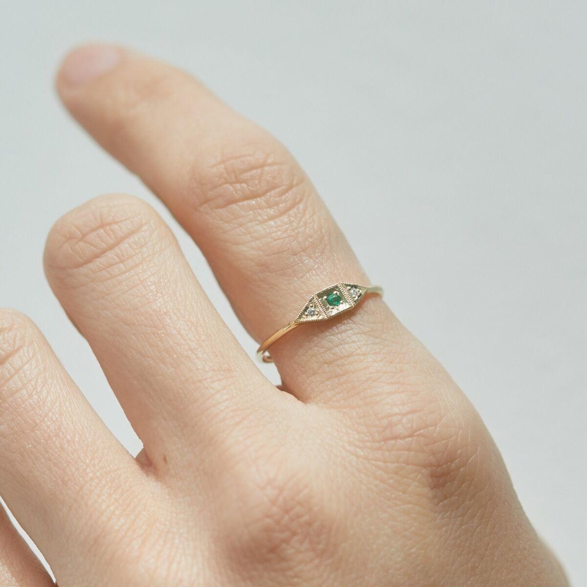 Baby Deco Ring, Emerald image