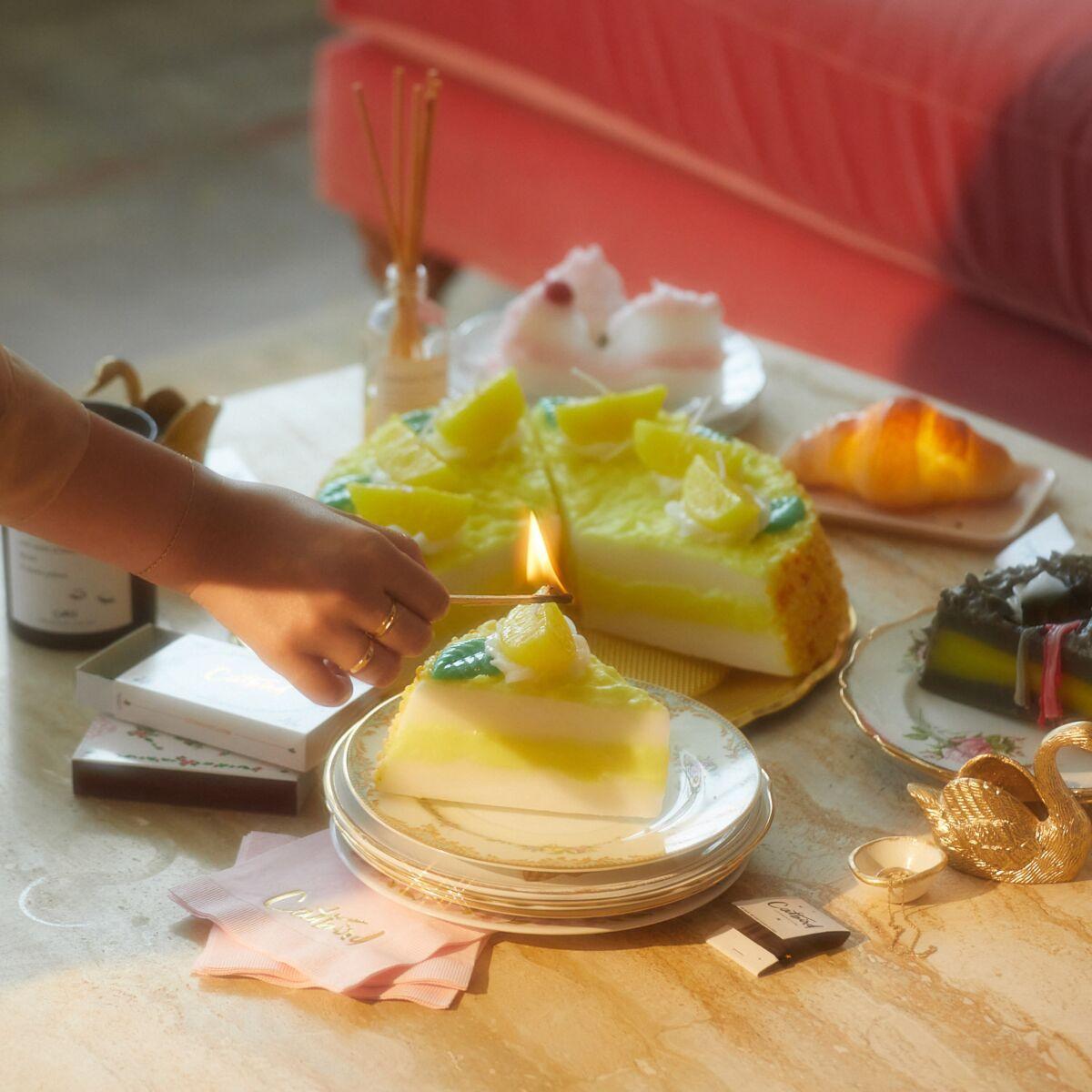 Piece of Cake Candle, Lemon image