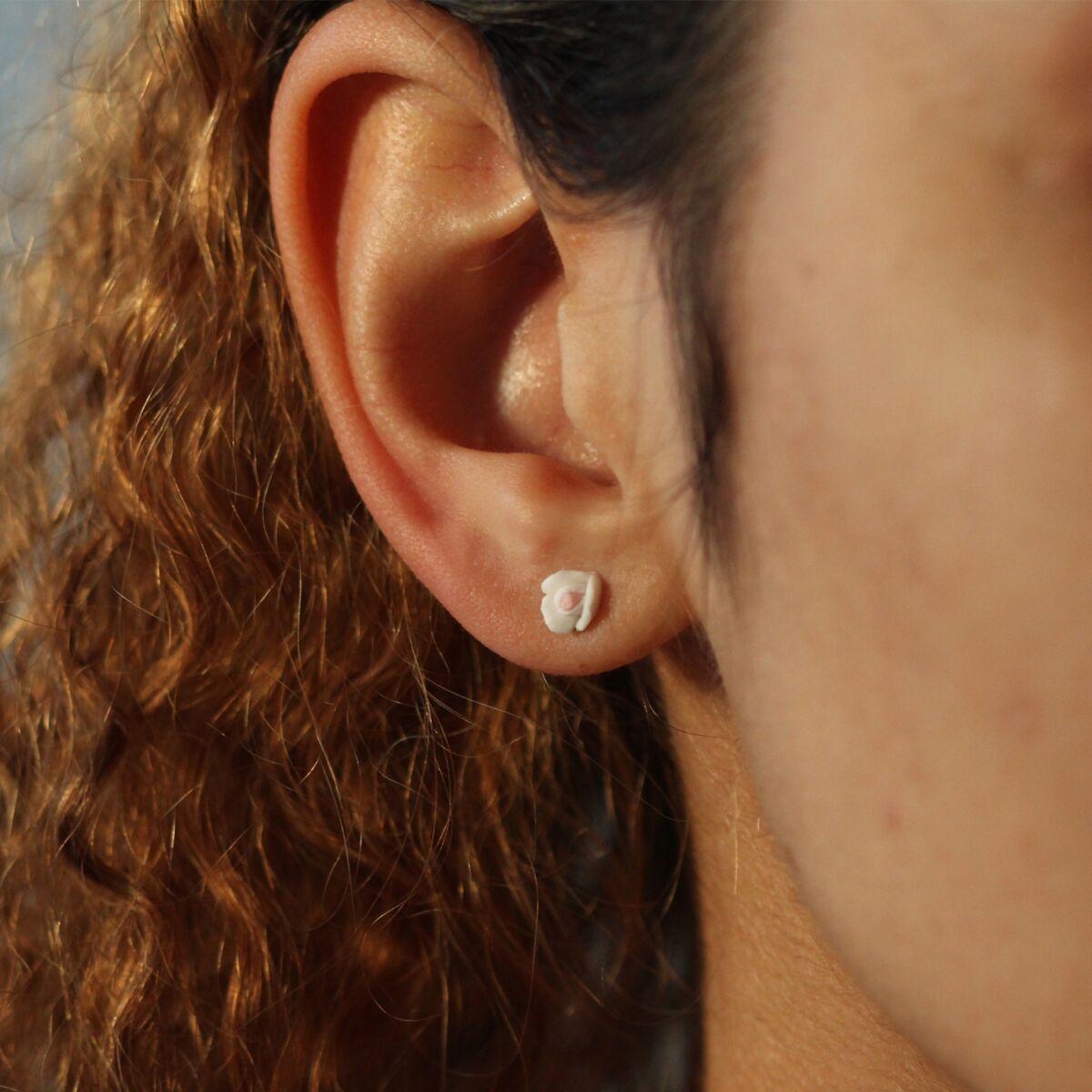 Marzipan Rose Earrings, Snow White image