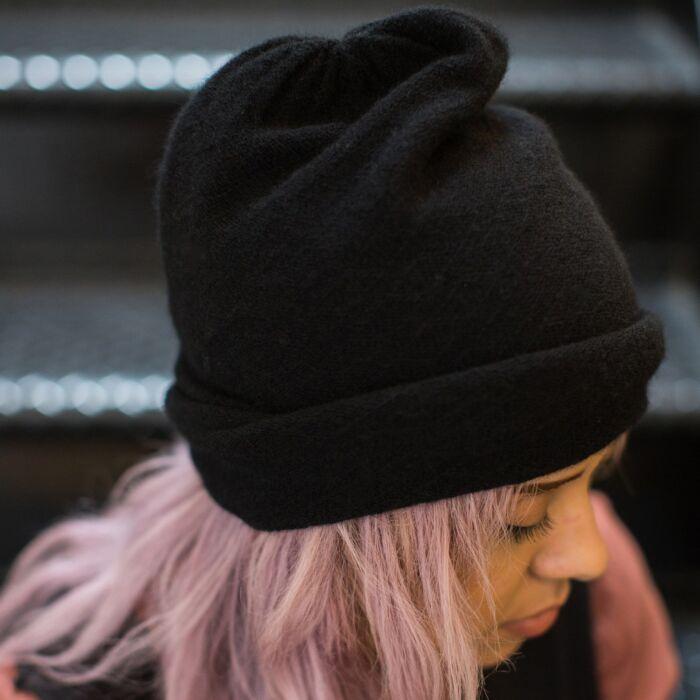 Cashmere Slouch Hat, Black image