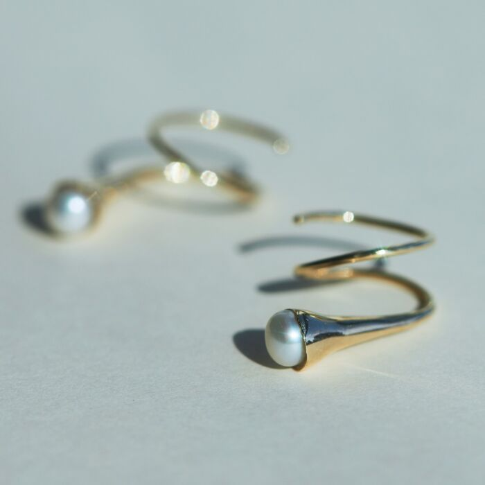 Calla Curl, Gold and Pearl (single) image