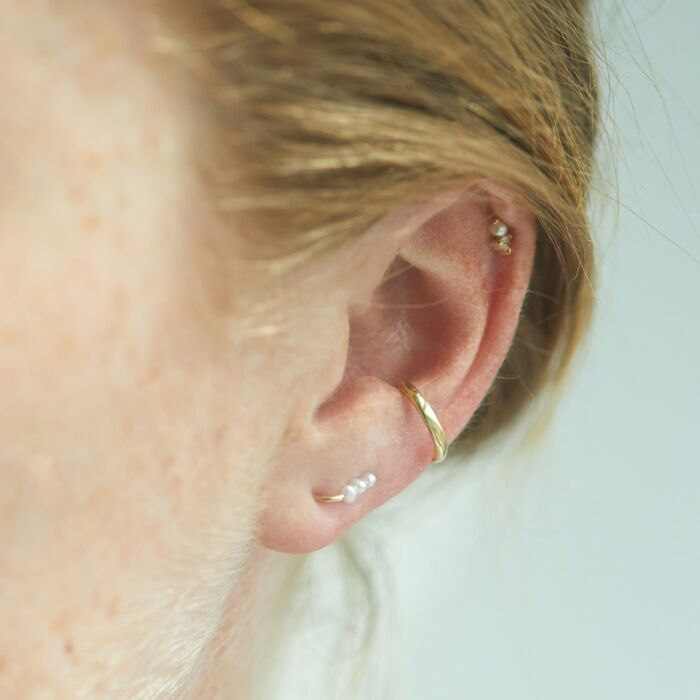 Baby Pearl Ear Climber (single)