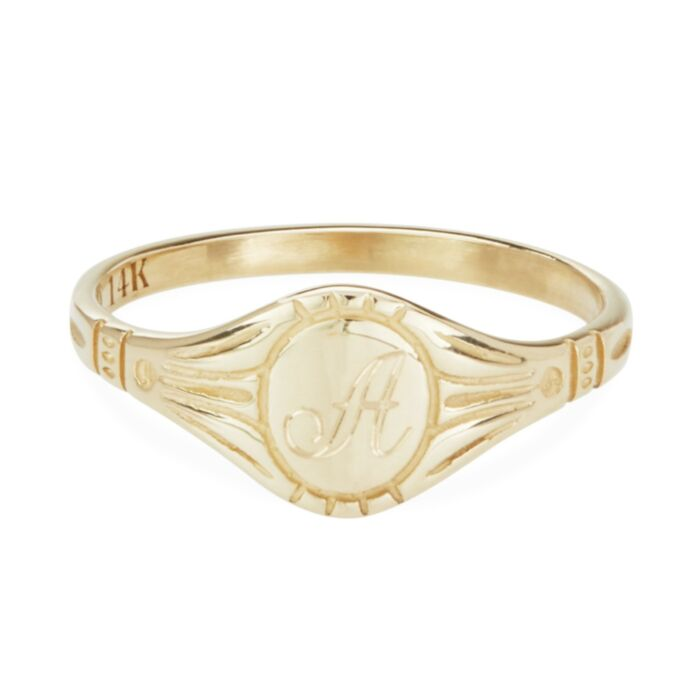 Grand Cygnet Ring, Yellow Gold