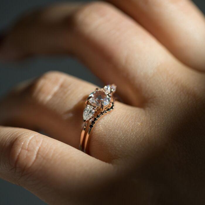 Fairy Light, curved, demi-pavé, black diamond image