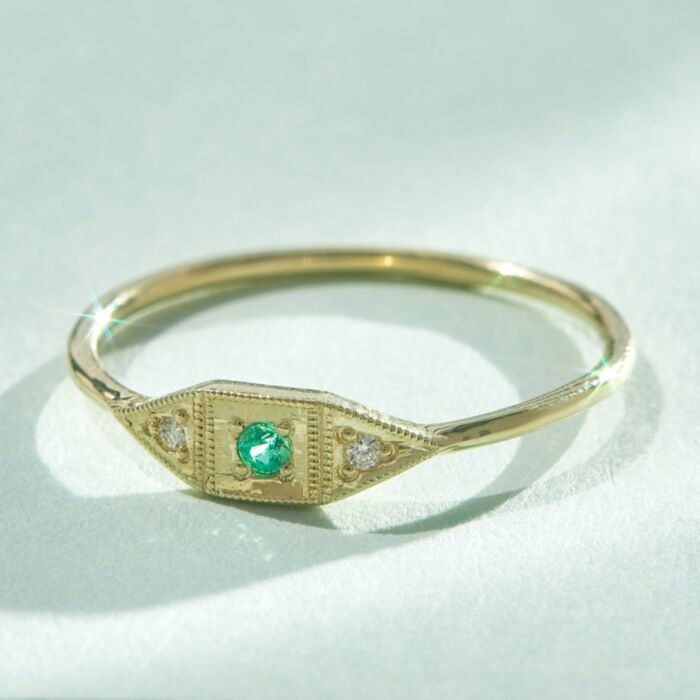Baby Deco Ring, Emerald