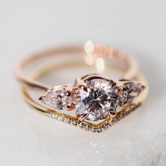 Juno the Swan (Cultivated Diamonds) image