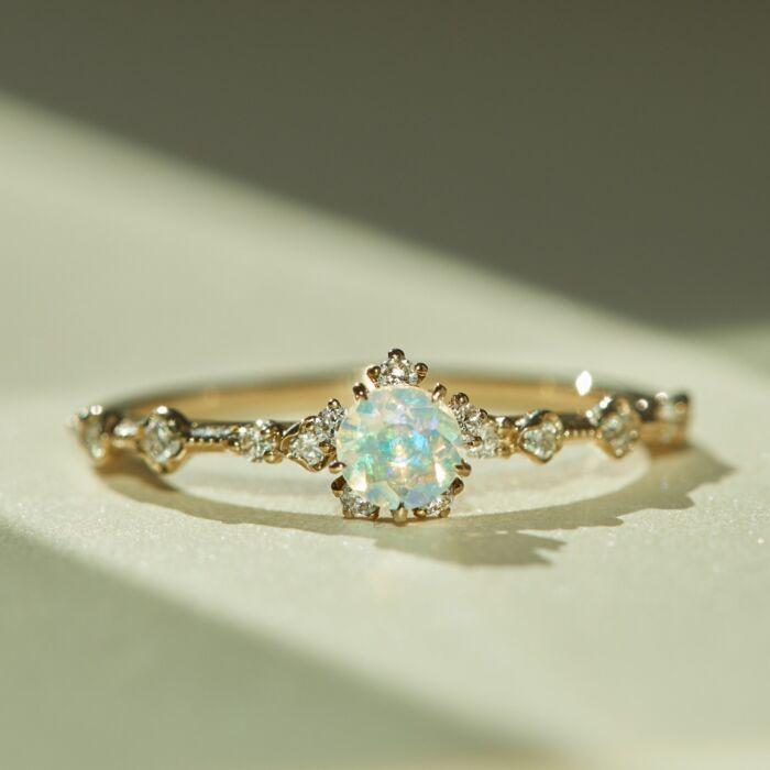 Sakura Ring, Opal