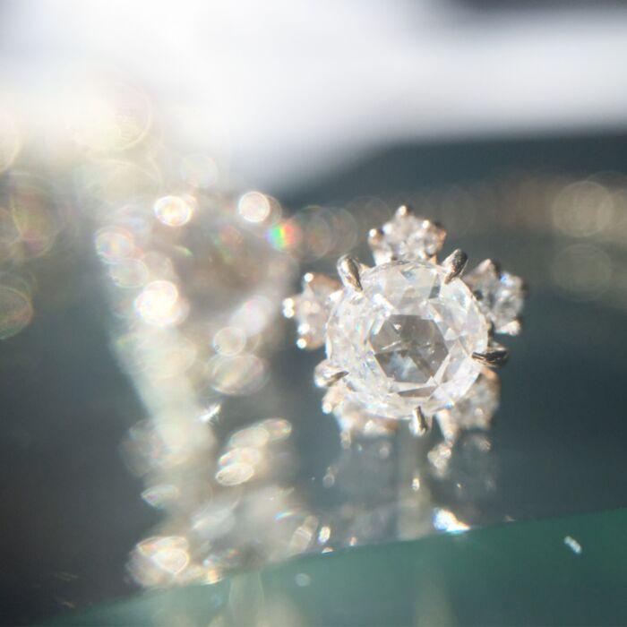 Sakura Stud Earrings, Diamond image