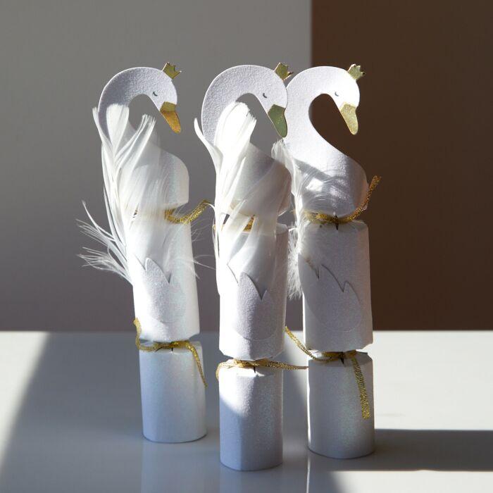 Swan Cracker