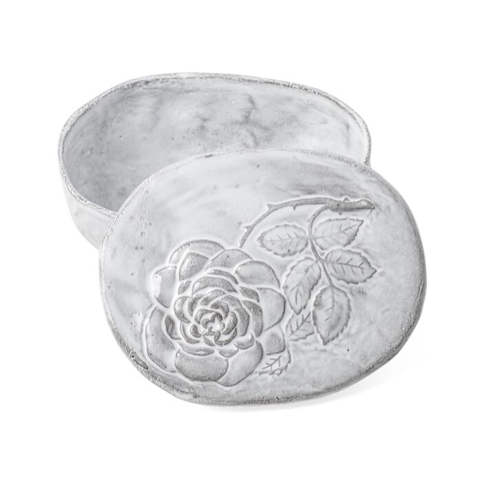 *Setsuko Box with Roses*