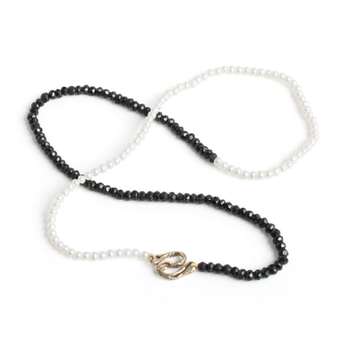 Serpentine Delilah Necklace, Black Garnet & Pearl