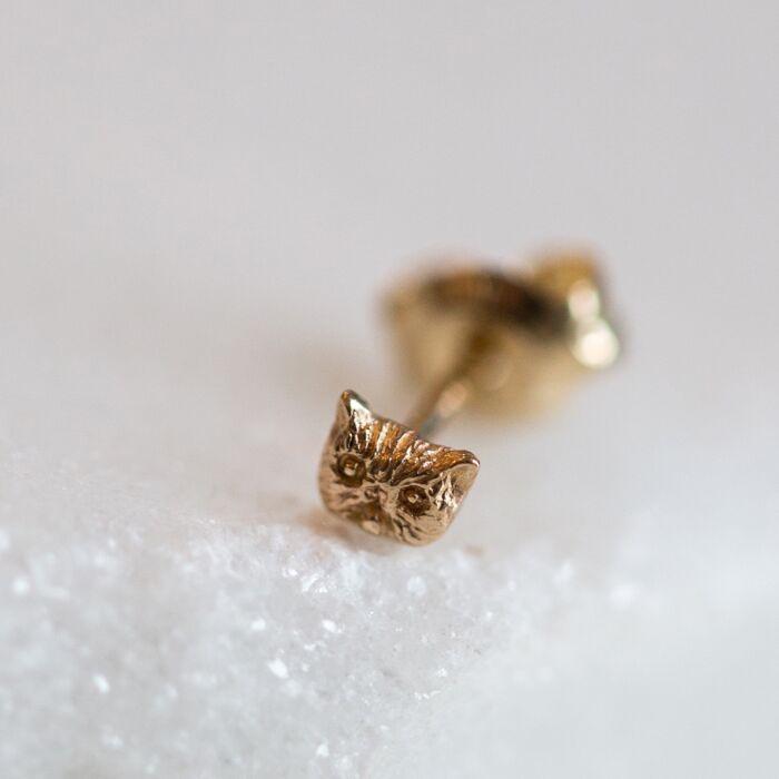 Itty Bitty Kitty Stud, Yellow Gold (single) image