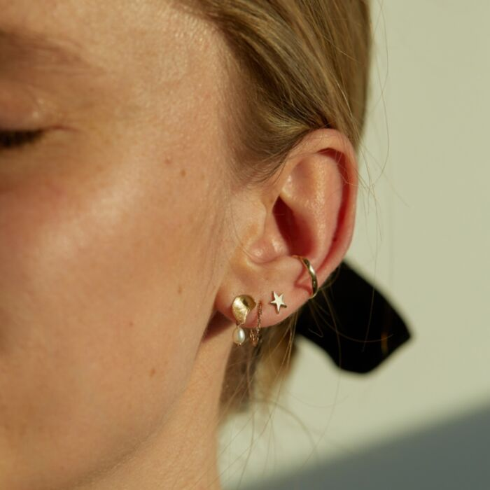 Pearl Smudge Earring (single) image