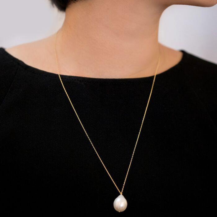 Teardrop Pearl Necklace image