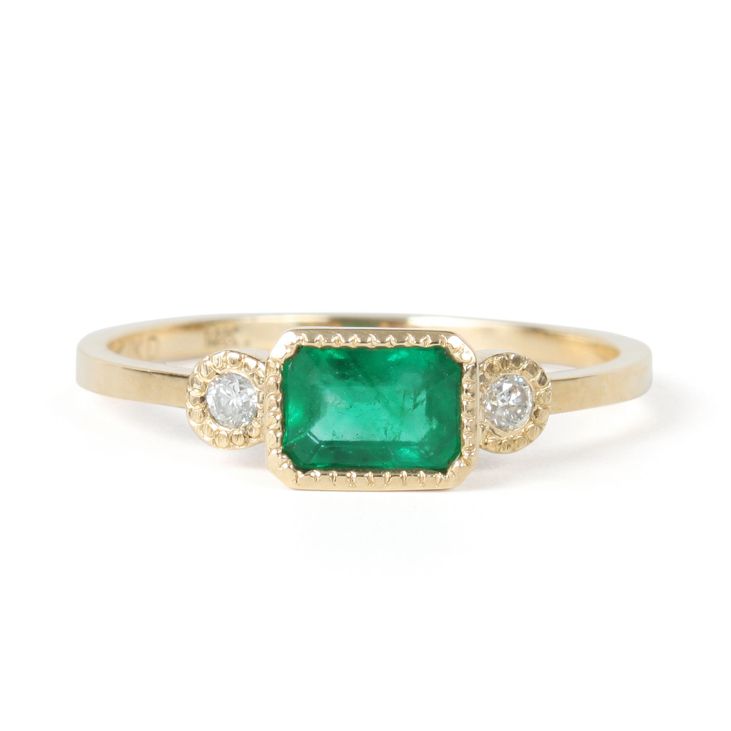 and tapered diamond engagement boucheron jewelry cut yellow ring baguette emerald gold